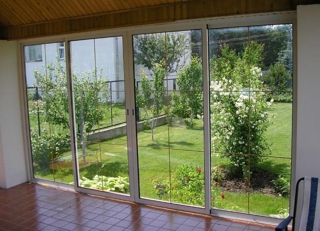 Раздвижные алюминиевые окна для балконов веранд беседок.